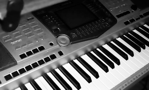 Yamaha arranger keyboard  psr 2k